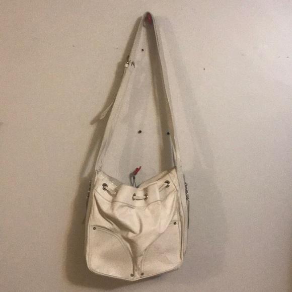 0bae615d25 MULBERRY AUTH off white large leather bucket bag. M 5ac839eb36b9de5dffbcab5b